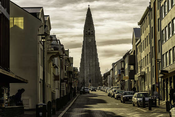 Hallgrímskirkja church photo.