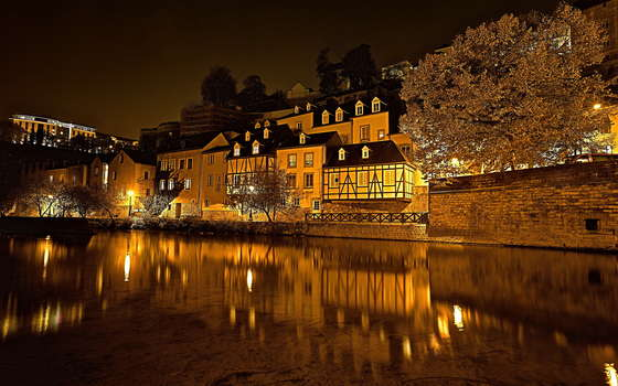 Wallpaper Luxembourg Nuit.