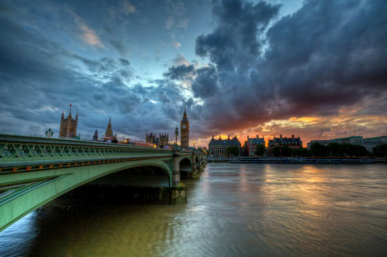 Westminster Bridge wallpaper.