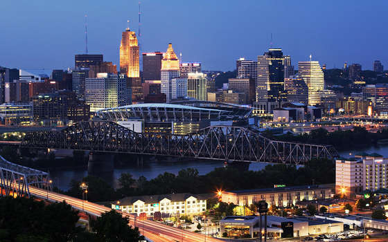 Evening Cincinnati HD wallpaper.