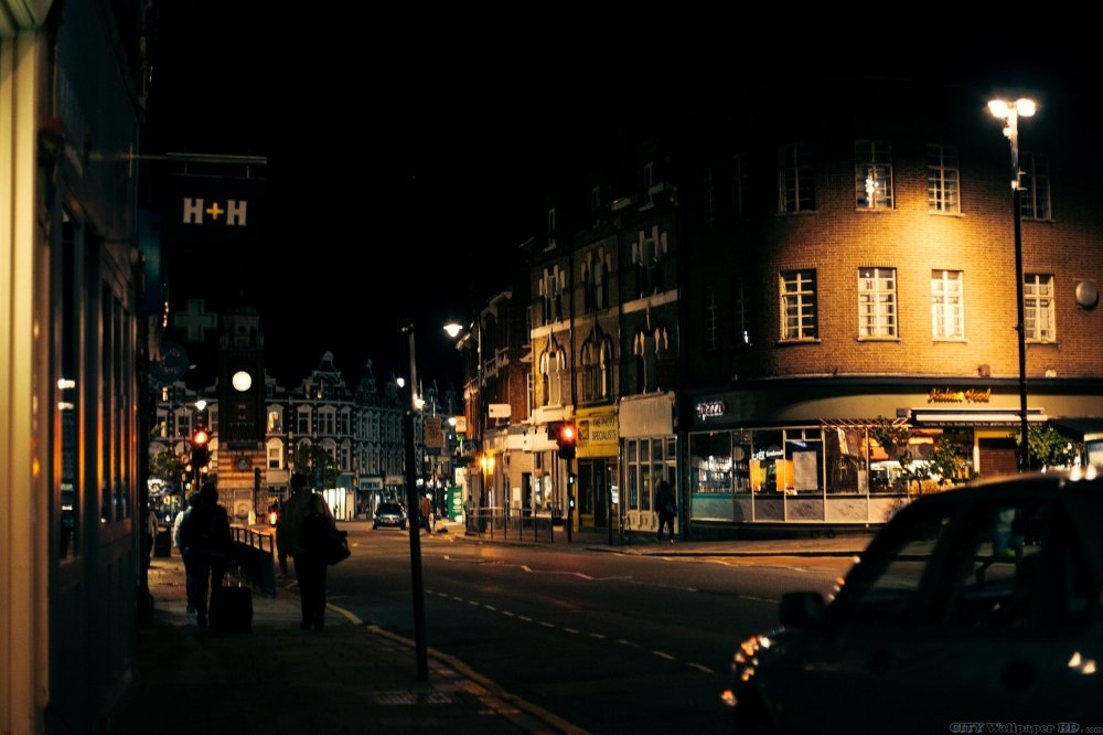 Wallpaper with the image of the night streets in London