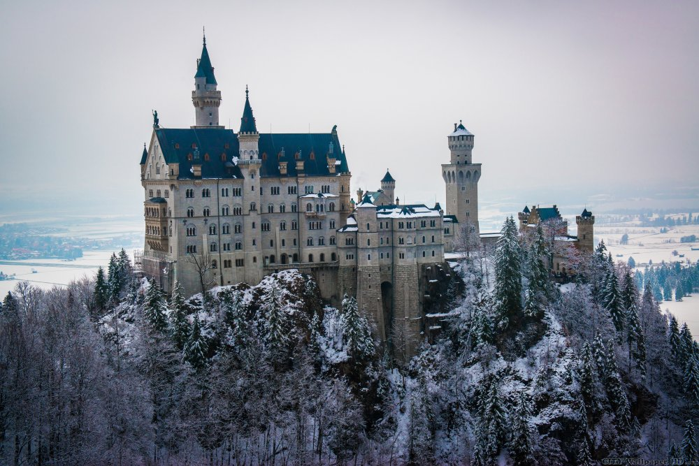 Lovely view of the desktop on the Neuschwanstein Castle in Germany.